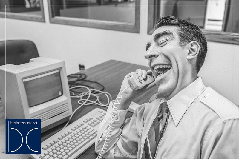 5 lustige Büro-Scherze die Sie kennen sollten
